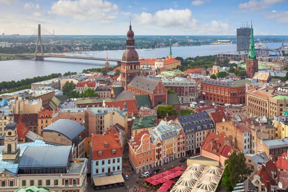 Neseniai įžengę į Lietuvą, veiklą pradeda ir Latvijoje