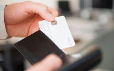 Mokėjimo kortelių priėmimas gali tapti patrauklus ir smulkiam verslui