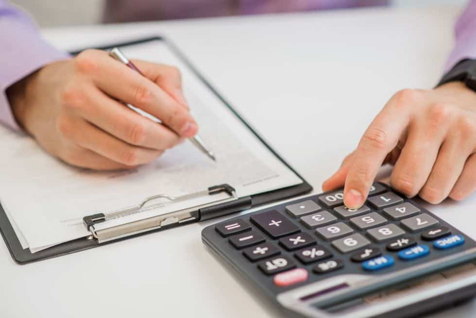 Kiek iš tikrųjų kainuoja sąskaitų finansavimo paslauga ar faktoringas?